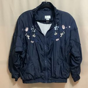 Vintage nylon batwing bomber jacket with flower embroidery and lining